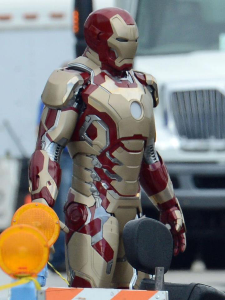 Ironman Mark 51 Suit Video Wallpaper (HD) « | Skizzen | Iron