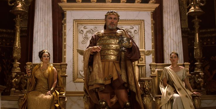 "(L-r) POLLY WALKER as Cassiopeia, VINCENT REGAN as King Kepheus and ALEXA DAVALOS as Andromeda in Warner Bros. Pictures' and Legendary Pictures' ""Clash of the Titans,"" distributed by Warner Bros. Pictures."
